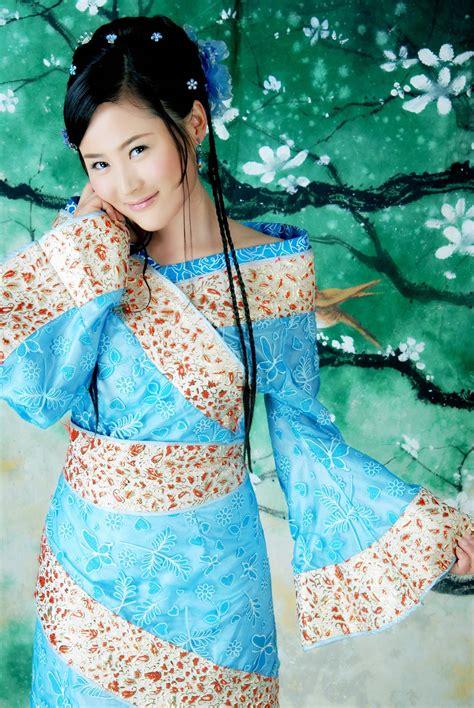 蓝色古装美女图片